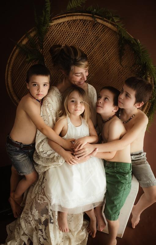 Portrait Studio in Louisville KY, mother sitting in chair with 4 children around her